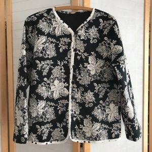 Size Medium Floral quilted jacket reversible EUC